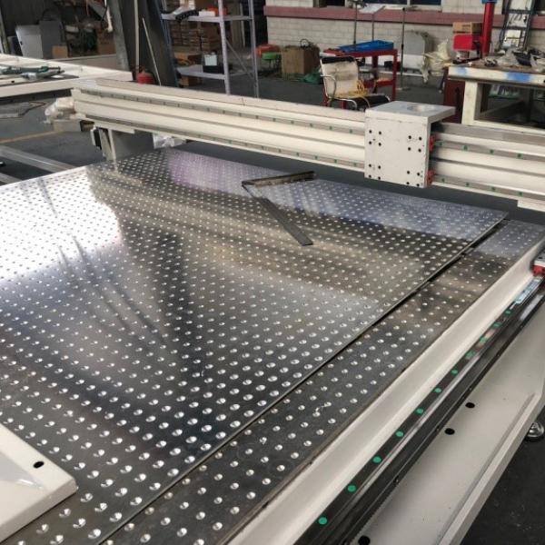 Piano aspirato in alluminio